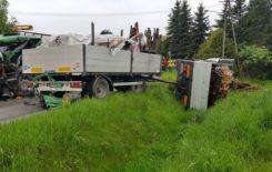 Więcej o: Niebezpieczny wypadek na drodze powiatowej.